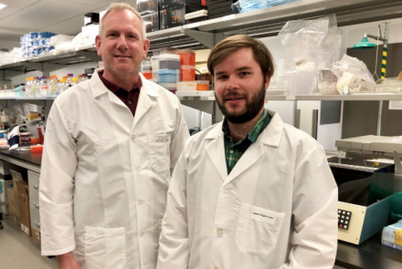 DR. CHRIS ANDERSON (LEFT) AND ADAM HOGAN-CANN EXAMINED CHANGES IN BLOOD FLOW IN THE BRAIN OF LIVE MICE.